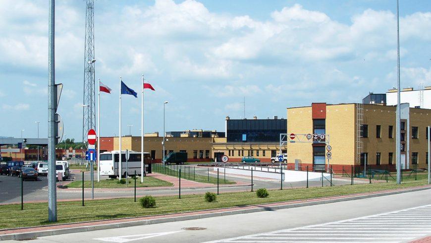 Kradziony pojazd i silniki samochodowe w Kuźnicy Białostockiej