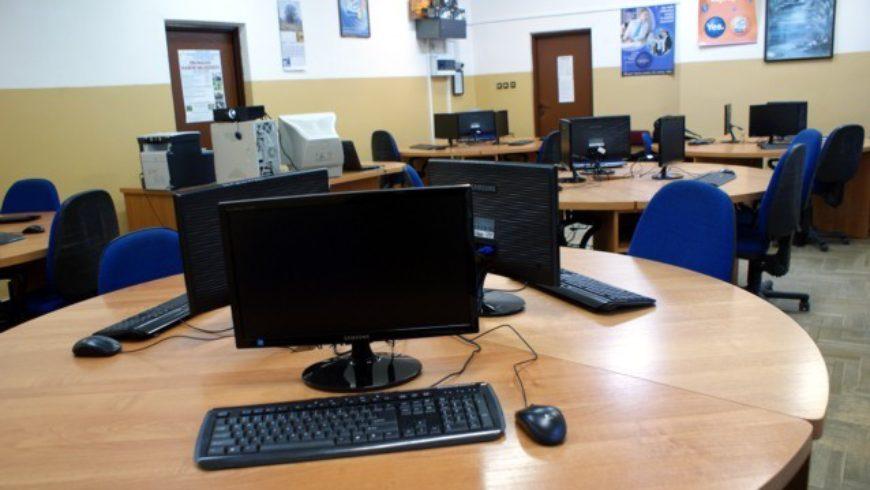 Nowe komputery dla szkół