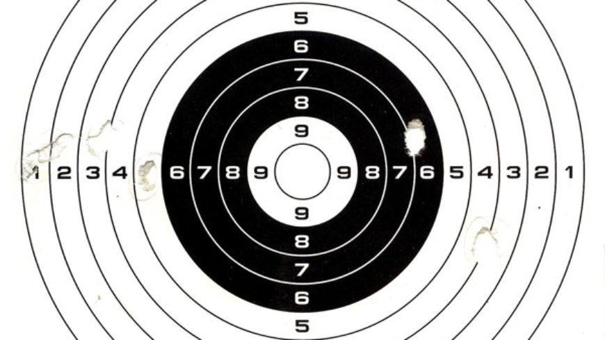 Zawody strzeleckie z broni pneumatycznej o Puchar Burmistrza Sokółki