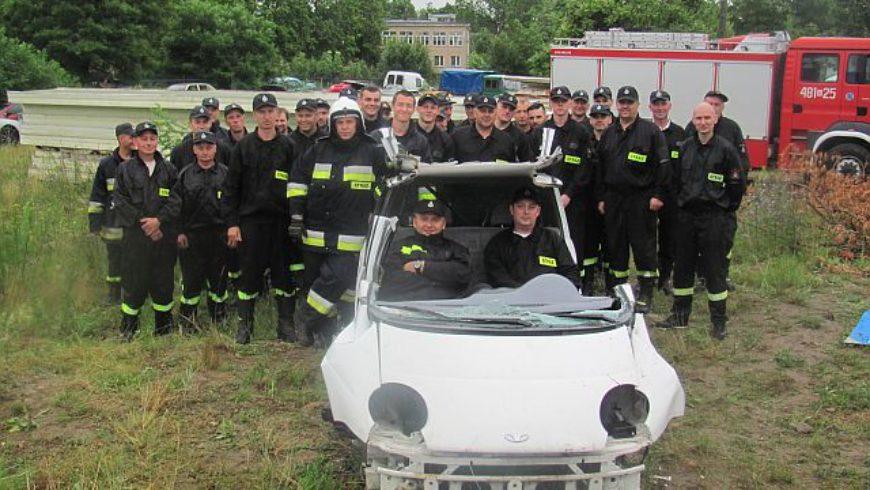 Strażacy ochotnicy szkolili się z zakresu ratownictwa technicznego