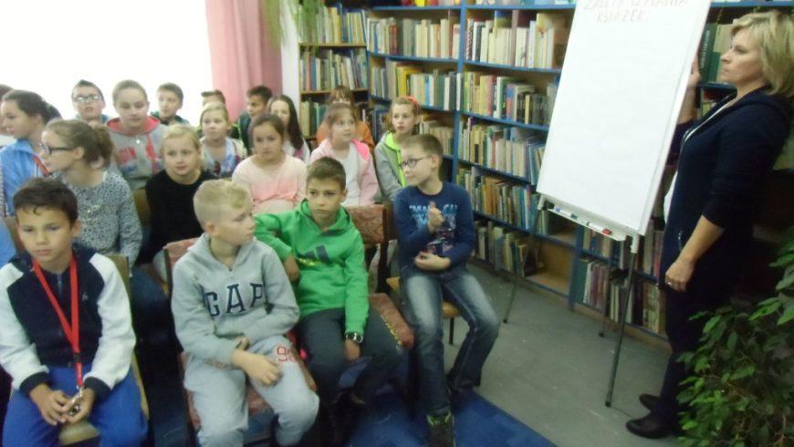 Biblioteka zachęca dzieci i młodzież do czytania