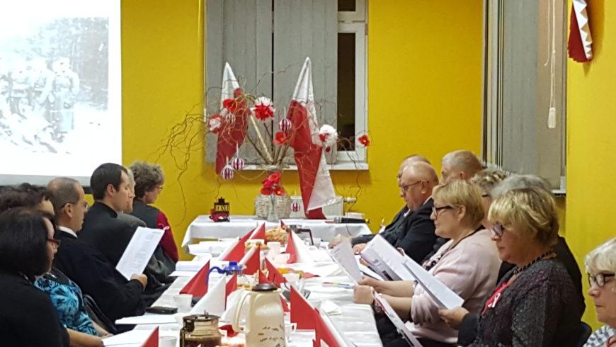 """Wieczór Pieśni Patriotycznej """"Śpiewać Każdy Może"""" w Choroszczy"""