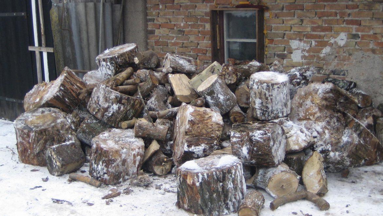 Choroszcz wspomaga mieszkańców drewnem na opał