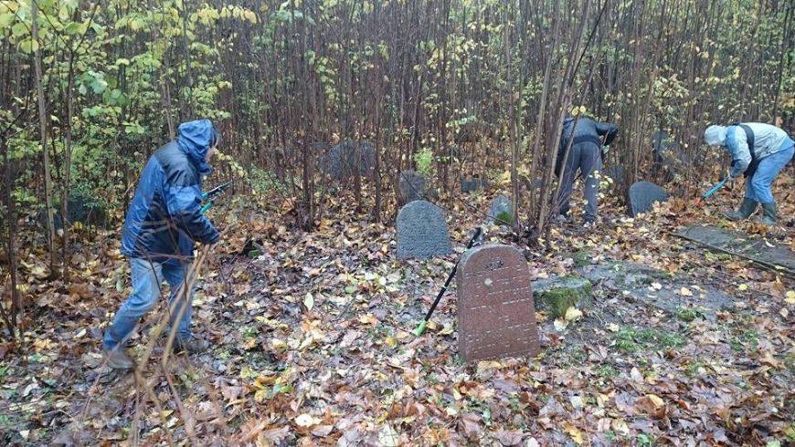 Po raz drugi odbędzie się wspólne sprzątanie cmentarza