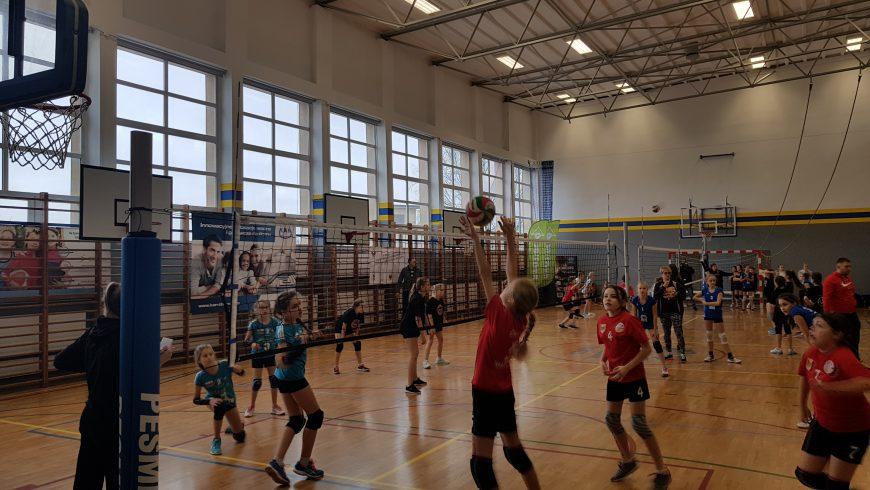 Znamy wyniki Mikołajkowego Turnieju Minisiatkówki w Wasilkowie