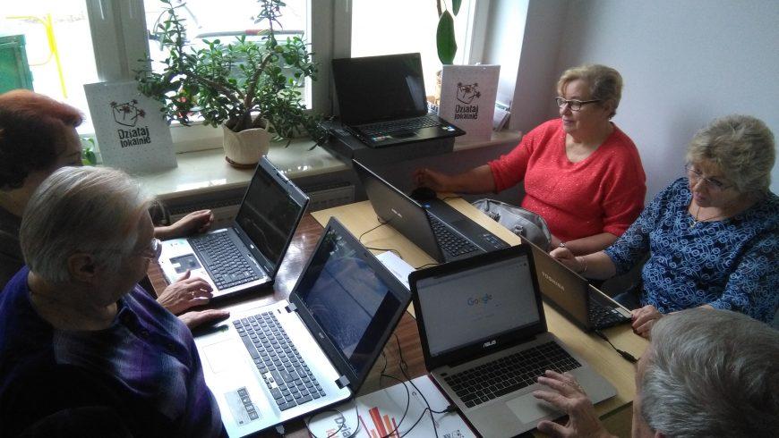 Seniorzy z Sokółki z nowoczesnym sprzętem