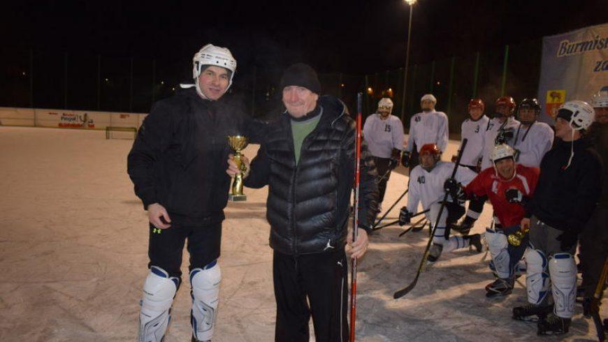 Wielkie sportowe widowisko podczas turnieju hokeja na lodzie! – WYNIKI