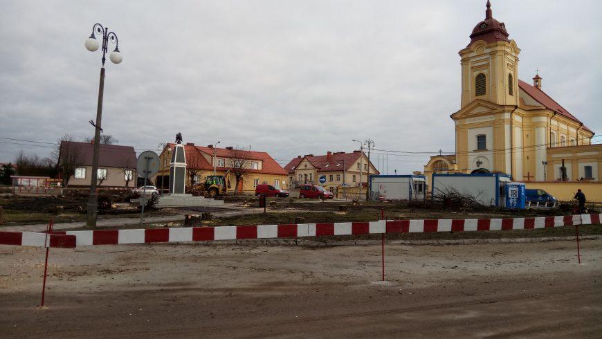 Rynek 11 Listopada w Choroszczy to plac budowy