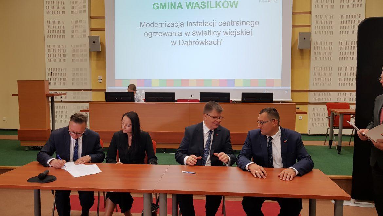 Samorządowcy podpisali umowy na realizację projektów w ramach Programu Odnowy Wsi Województwa Podlaskiego