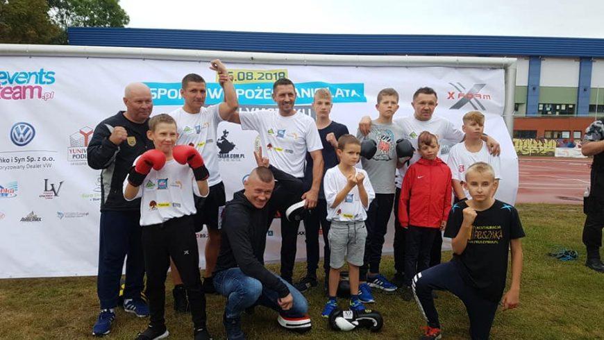 Face to face oraz trening medialny przed Galą Chorten Boxing Night II podczas Pożegnania lata na Stadionie BOSiR Białystok