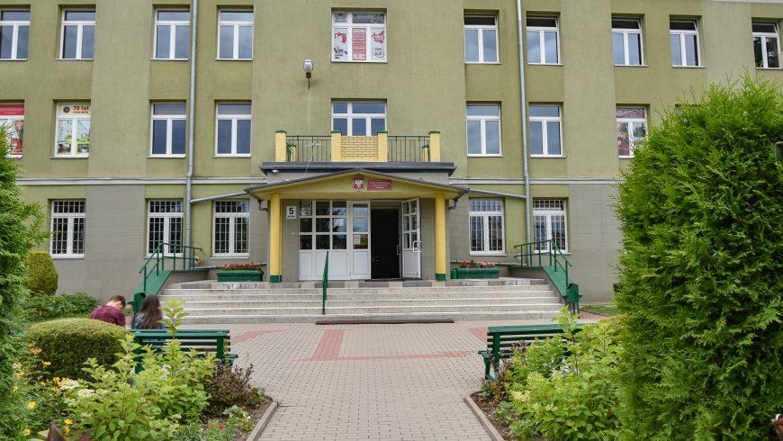 Nowe sale w dwóch szkołach